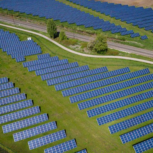 "Afbeelding van ""Verhoog subsidie op zonne-energie om klimaatdoelen te halen"""